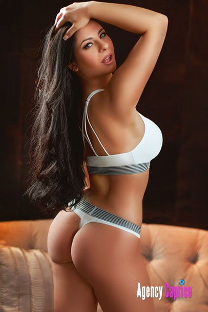 High Class Escorts near Le Meridien Hotel 9958560360 Connaught Place Call Girls