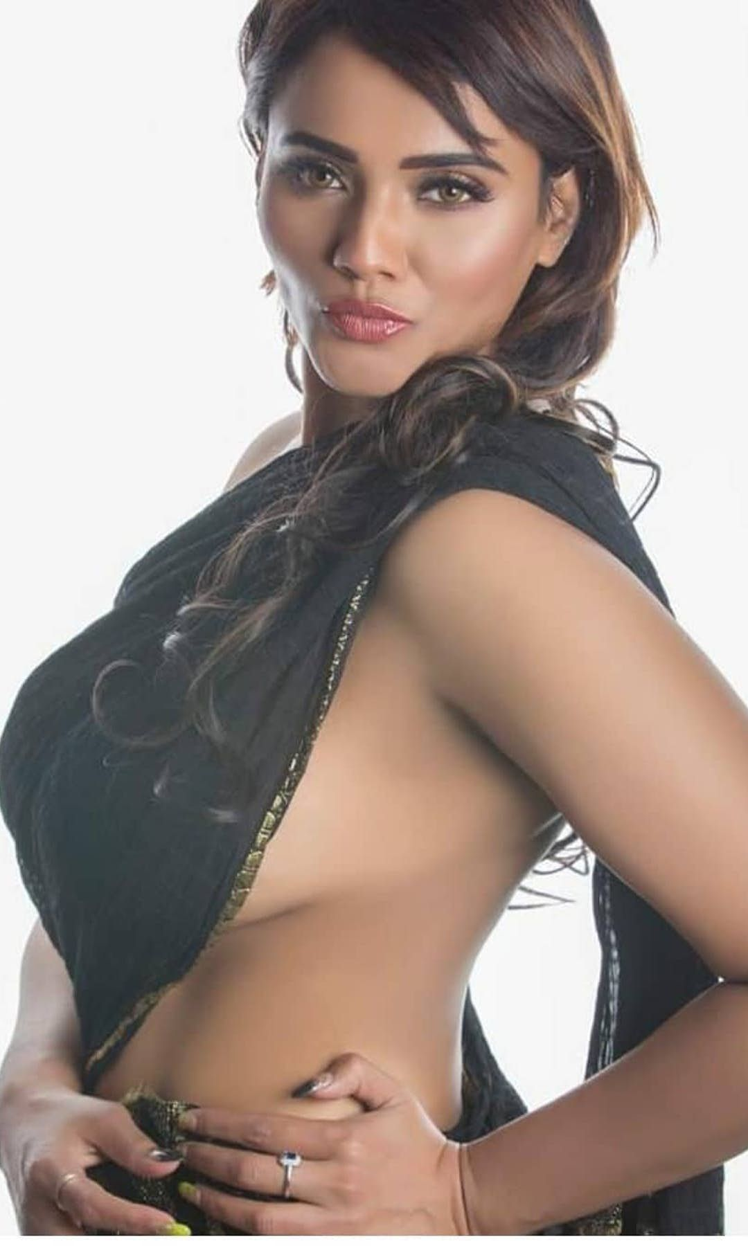 Sultry Diljot from Chandigarh Escorts will pep up your sex lives