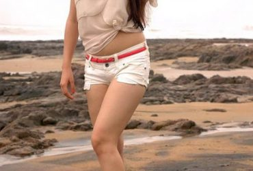 call girls in laxmi nagar at low price. 7042233877. full enjoyment hot girls with space.