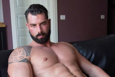 Male To Male Hot Gay Parlour